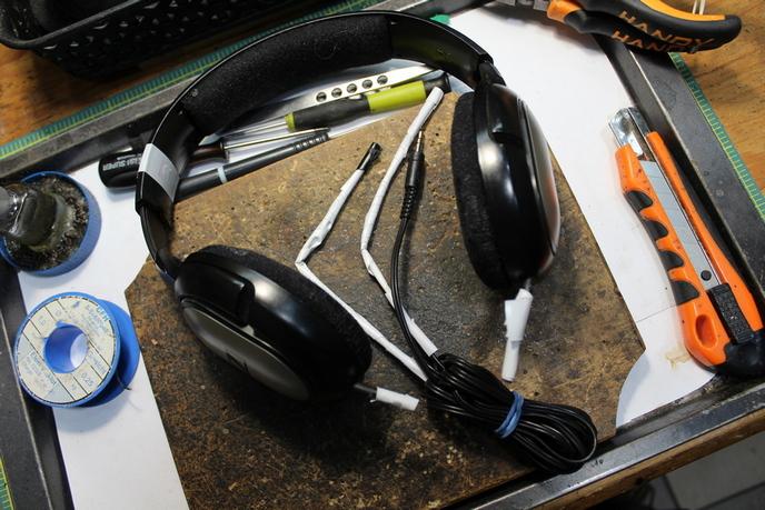 Sennheisner HD 201 fejhallgató javítás előtt