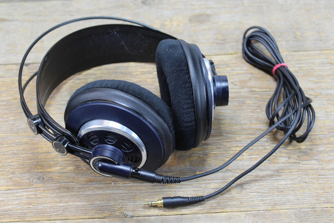 AKG K240 MKII Studio fejhallgató