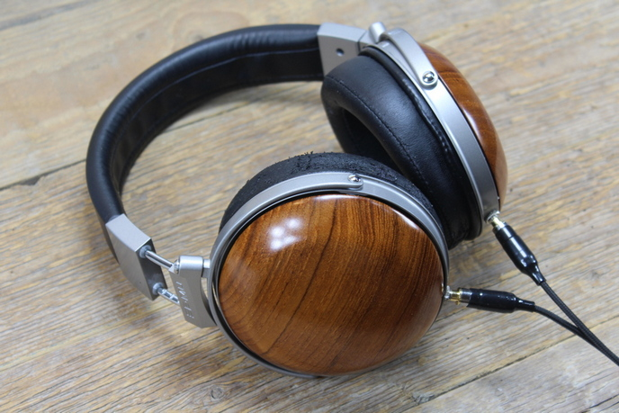 E-MU Teak audiofil referencia fejhallgató